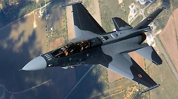 Ο πρωθυπουργός του Ιράκ έδωσε εντολή στο στρατό να βομβαρδίσει τζιχαντιστές μέσα στη Συρία