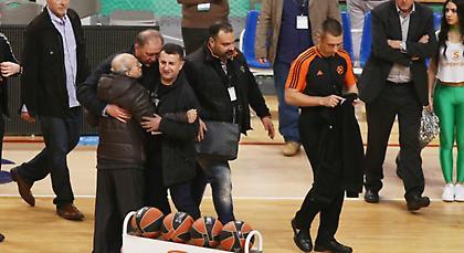 «Ντου» του Θανάση Γιαννακόπουλου στους διαιτητές! (pics)