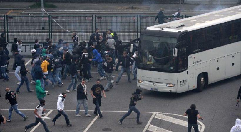 Στρατιωτικού τύπου επίθεση σε πούλμαν που μετέφερε οπαδούς της Γιουβέντους