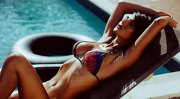 Η Σίλβια Καρούσο είναι η πιο σέξι gamer (video)