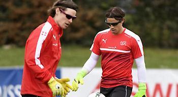 Οι τερματοφύλακες της Ελβετίας προπονούνται με… μαύρα γυαλιά!