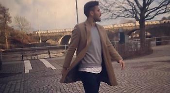 Ο Αϊντάρεβιτς ακούει Παντελίδη! (video)