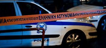Αγνωστοι πέταξαν πέτρες σε διμοιρίες των ΜΑΤ στα γραφεία του ΠΑΣΟΚ