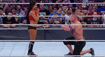 Πρόταση γάμου από τον John Cena στη Wrestlemania (video)