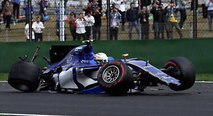 Formula 1: Στις μπάρες το μονοθέσιο του Τζιοβινάτζι (video)