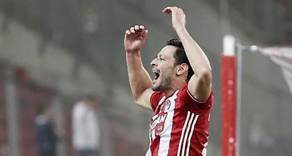 Ντε λα Μπέγια: «Σήμερα χαιρόμαστε για τον τίτλο, αύριο κοιτάμε το ματς με την ΑΕΚ»