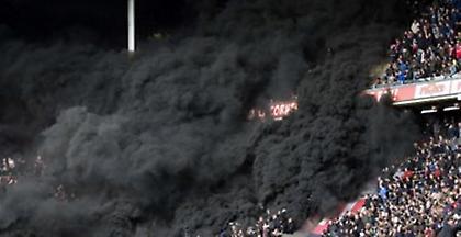 Ολλανδία: Δεκάδες τραυματίες σε γήπεδο από μαύρο καπνό