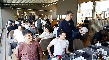 Το εορταστικό γεύμα του Ολυμπιακού (pics)