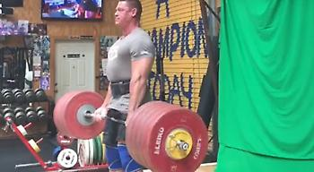 Ο 40άρης Τζον Σίνα σήκωσε 273 κιλά (video)