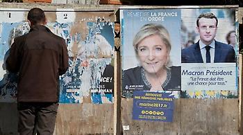 Γαλλία: Ο Μακρόν προηγείται στις δημοσκοπήσεις αλλά η Λεπέν αυξάνει το ποσοστό της