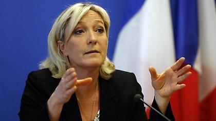Τα ...γυρνάει για το ευρώ η Λεπέν ενόψει β' γύρου στη Γαλλία