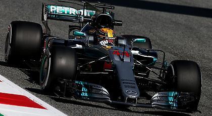 Κυρίαρχες οι Mercedes, πάλι προβλήματα για Αλόνσο