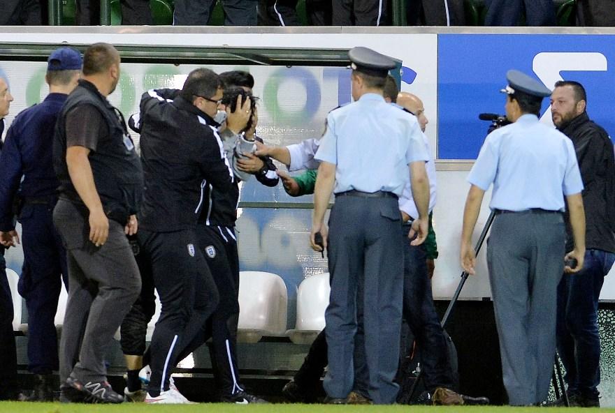 222234 Λεωφόρος αίσχους: Διακοπή στο ΠΑΟ – ΠΑΟΚ μετά από τον τραυματισμό του Ιβιτς από κουτάκι μπύρας