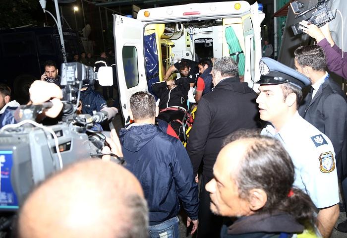 223747 Οριστική διακοπή στο ΠΑΟ-ΠΑΟΚ - Στο νοσοκομείο ο Ίβιτςπου δέχθηκε αντικείμενο στο κεφάλι [εικόνες]