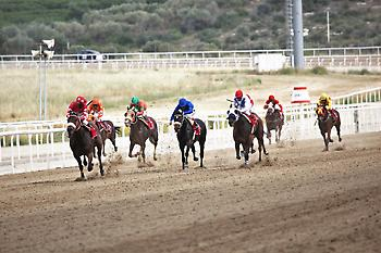 Όποιος στοιχηματίσει σωστά στην 5η και 7η ιπποδρομία στο Μαρκόπουλο, μπορεί να φύγει για διακοπές