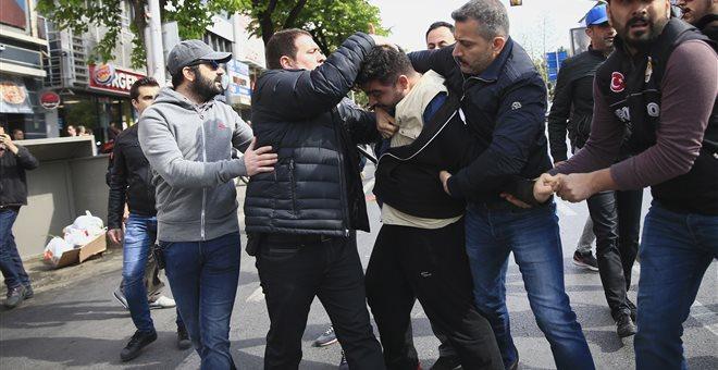 «Επιχείρηση σκούπα» στο δήμο της Άγκυρας και σε υπουργεία για γκιουλενιστές