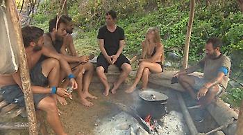 Ο Σάκης Ρουβάς γυμνάζεται στην παραλία του Survivor