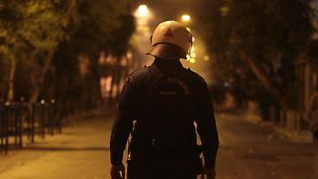 Εξάρχεια: Νέα νυχτερινή επίθεση αναρχικών σε διμοιρία των ΜΑΤ