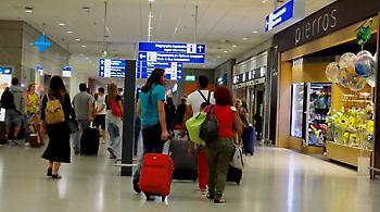 Οι αεροπορικές βάζουν ένα εκατ. επιπλέον θέσεις για Ελλάδα
