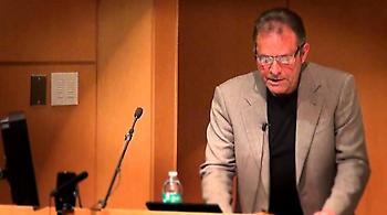 Απεβίωσε ο διάσημος Αμερικανός συγγραφέας Ντένις Τζόνσον