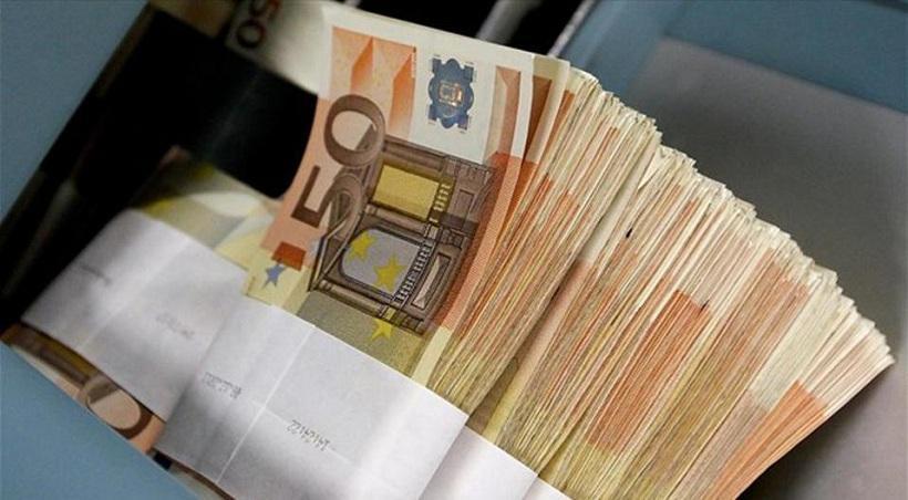 Δάνεια 10 δισ. ευρώ από τις τράπεζες φέτος