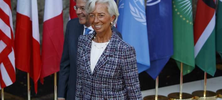Η Λαγκάρντ ενημέρωσε το ΔΣ του ΔΝΤ -Μέχρι τις 27/7 η έγκριση του δανείου, θα δοθεί μόνο με εξέλιξη