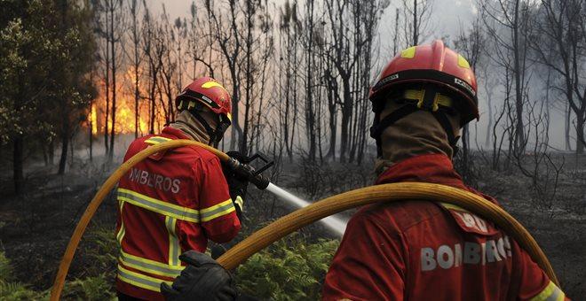 Πορτογαλία: Μαίνεται η φονική πυρκαγιά που κόστισε τη ζωή σε 63 ανθρώπους