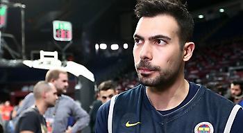Σλούκας: «Υπήρχε ενδιαφέρον από την Ελλάδα. Τα χρήματα δεν είναι το παν»