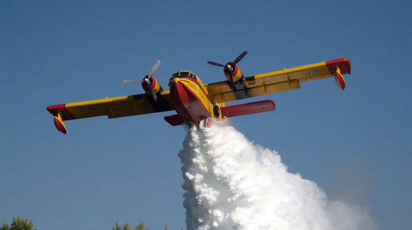 Έδιωξαν όλα τα Canadair από το αεροδρόμιο Ελευσίνας λόγω καύσωνα