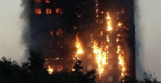 Βρετανία: 181 πολυώροφα κτίρια απέτυχαν στους ελέγχους πυρασφάλειας