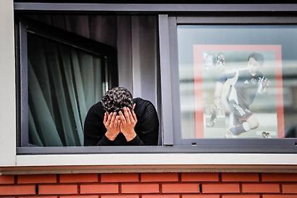 Συγκλονιστικές εικόνες από χιλιάδες οπαδούς στο σπίτι του Νούρι (pics/vids)