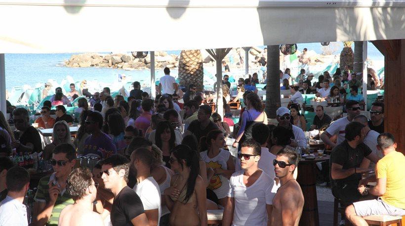 «Όργιο» φοροδιαφυγής στα τουριστικά θέρετρα της Ελλάδας: 80 παραβάσεις σε 119 επιχειρήσεις