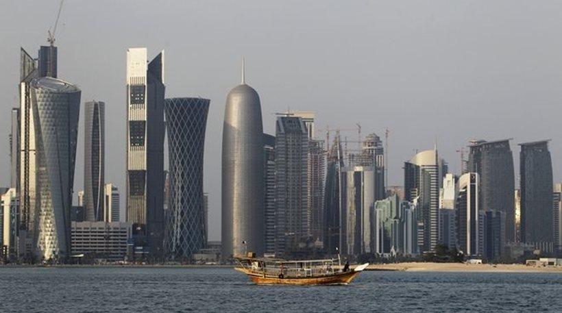 Η Αίγυπτος επαναφέρει τη βίζα για τους πολίτες του Κατάρ