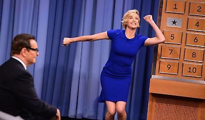 H -θεά- Σαρλίζ Θίρον σε χορευτική μάχη με τον Τζίμι Φάλον! (video)