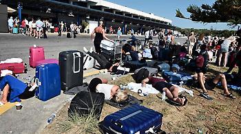 Αγωνία και για τον τουρισμό: Για κύμα φυγής μιλούν τα ξένα ΜΜΕ, κανένα πρόβλημα λένε οι ξενοδόχοι