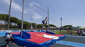 Η στιγμή που σπάει το κοντάρι Ελληνα αθλητή στο Ευρωπαϊκό U20  (video)