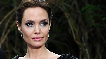 Συγκλονίζει η Angelina Jolie: Η πάθηση που παρέλυσε το πρόσωπό της μετά το διαζύγιο