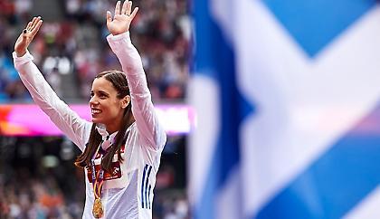 Ρίγη συγκίνησης για την Στεφανίδη: Στην κορυφή η ελληνική σημαία! (video)