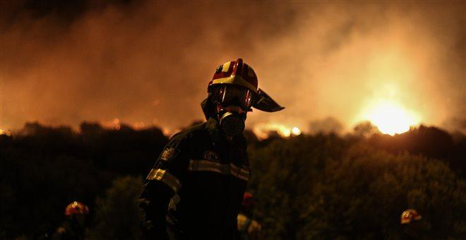 Σαράντα έξι πυρκαγιές μέσα σε ένα 24ωρο - υψηλός ο κίνδυνος και σήμερα