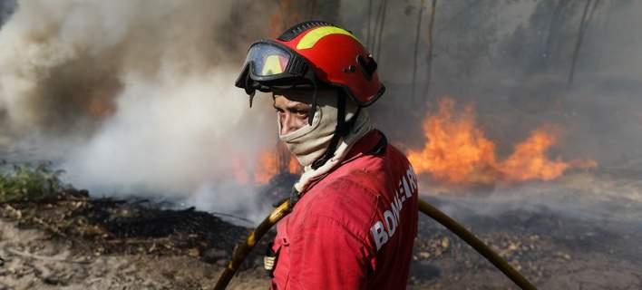 Ισχυρές πυρκαγιές εξακολουθούν να μαίνονται στην κεντρική Πορτογαλία και την Κορσική