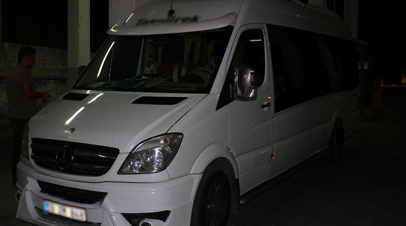 Αλεξανδρούπολη: Μετέφεραν μετανάστες σε κρύπτη κάτω από τα καθίσματα του mini-bus!