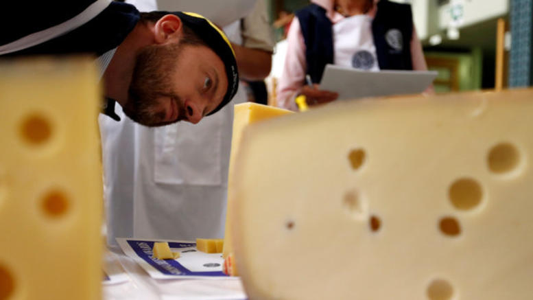 Ερευνα: Τελικά το τυρί είναι τόσο εθιστικό όσο τα ναρκωτικά!