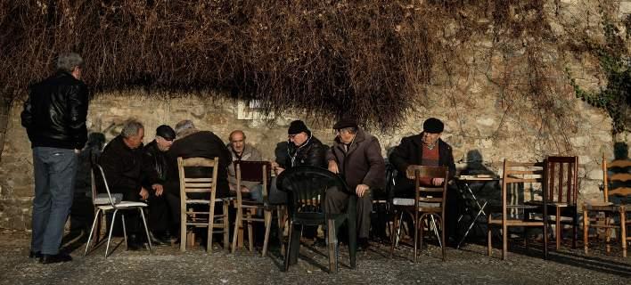 Γερνάει και συρρικνώνεται η Ελλάδα: Τι δείχνει μελέτη-σοκ