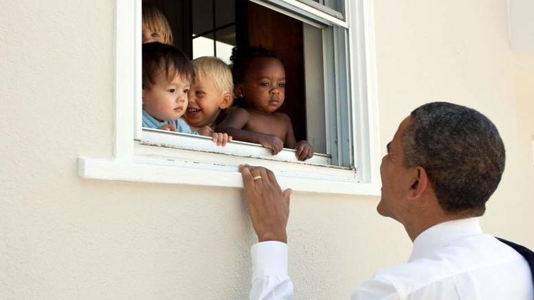 Ομπάμα για την Βιρτζίνια: «Η αγάπη πιο φυσική από το μίσος»