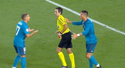Απόφαση-σταθμός της FIFA: Πέναλτι ή φάουλ το σπρώξιμο στον διαιτητή!