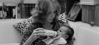 Το ασπρόμαυρο άλμπουμ της ζωής της Ζωής Λάσκαρη -Σπάνια καρέ, με τις κόρες της μωρά (pics)