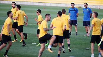 Χιμένεθ στους παίκτες της ΑΕΚ: «Ξεχάστε την Μπριζ, τώρα αρχίζει το πρωτάθλημα»