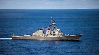 Δέκα αγνοούμενοι από σύγκρουση αντιτορπιλικού του αμερικανικού Ναυτικού με δεξαμενόπλοιο