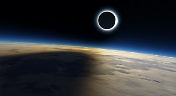 Τρέλα για την έκλειψη - Θα βυθίσει τη Γη στο σκοτάδι