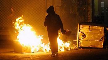 Επίθεση με μολότοφ σε αστυνομικούς κοντά στο Πολυτεχνείο